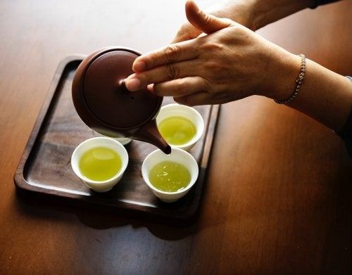 Té verde con limón: muy saludable en tu desayuno