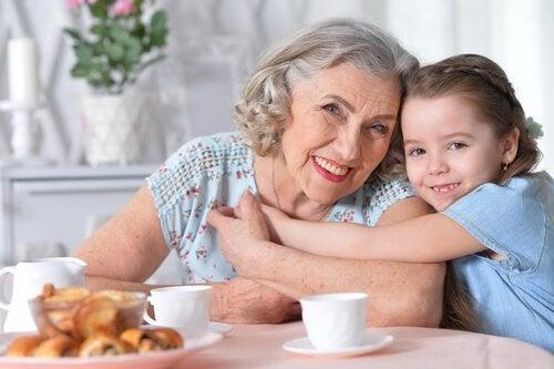 Un abuelo, un tesoro para sus nietos.