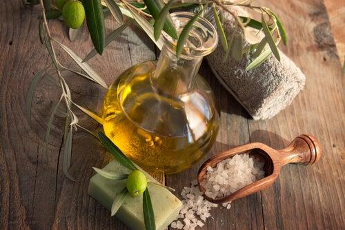 9 usos cosméticos del aceite de oliva que te harán lucir hermosa