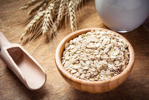 9 beneficios de comer avena y por qué debes incluirla al desayuno