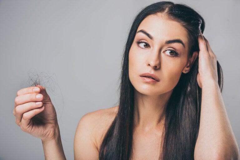Cómo prevenir la caída del cabello con este remedio casero