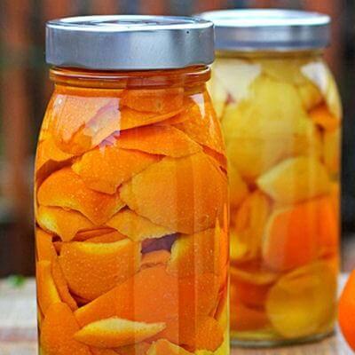 Desinfectando hecho de cáscara de naranja