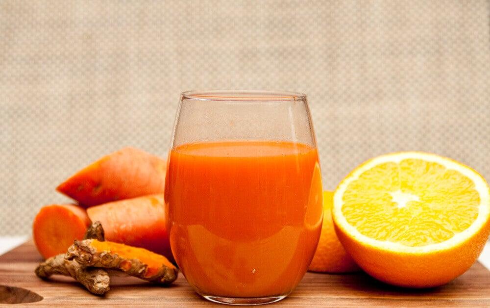 Jugo de naranja y jengibre