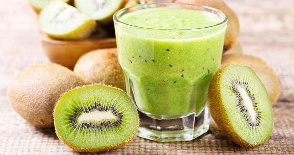 ¿Cómo preparar este licuado de kiwi y espinacas?
