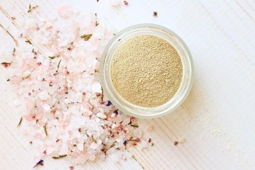 Polvos perfumados naturales para el cuerpo