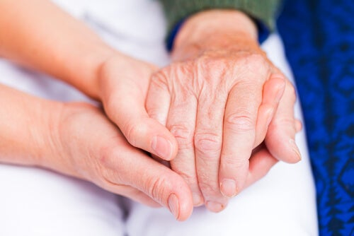 Mãos interligadas