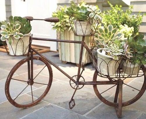 Reciclar con una bicicleta