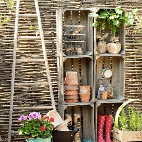 Cómo hacer un mueble para el jardín con cajones de fruta
