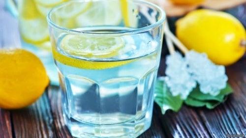 Limonade dans un verre
