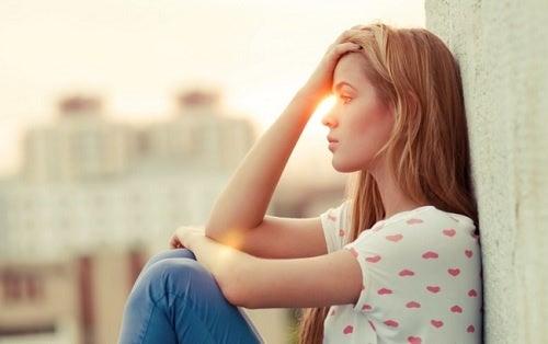 Anotar los pensamientos estresantes ayuda a hacer la vida más fácil.