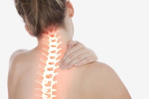 Mujer con dolor de espalda