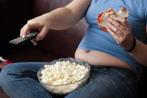 Llevar un estilo de vida sedentario