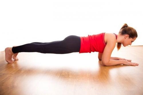 Plancha abdominal con antebrazos