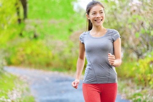 Realiza actividad física