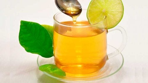 agua y miel para sofocos por menopausia