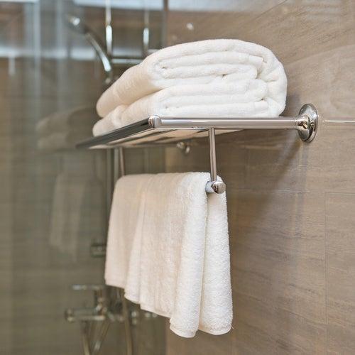 colgar toallas