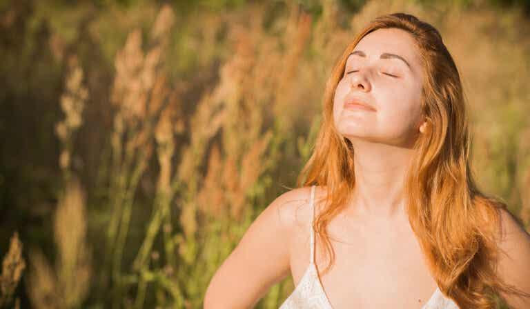 7 espectaculares trucos para lucir hermosa sin usar maquillaje