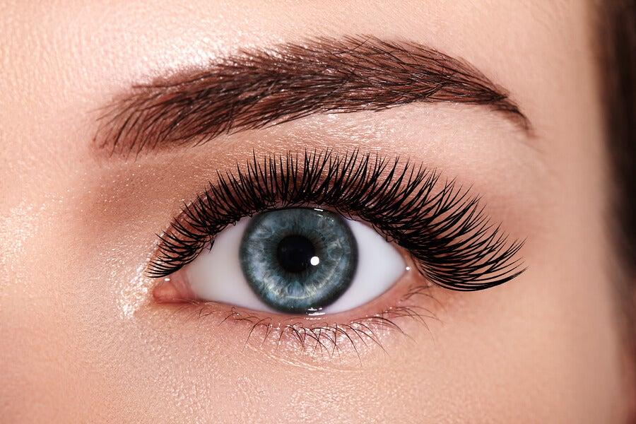 maquillaje natural para tener una mirada más expresiva.