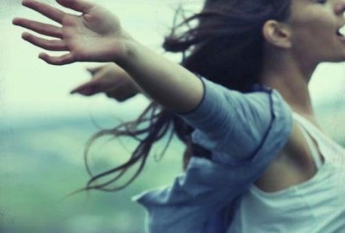 En ocasiones, la soledad es el precio de la libertad
