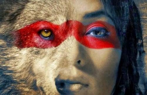 Un lobo no pierde el sueño por la opinión de las ovejas