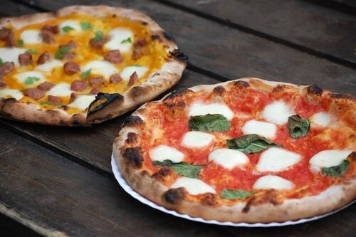 Pizzas con el borde quemado