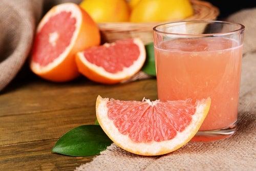 """5 alimentos que nos ayudarán a evitar los """"michelines"""" según la ciencia"""