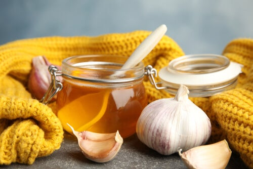 7 beneficios de consumir ajo y miel en ayunas durante 7 días
