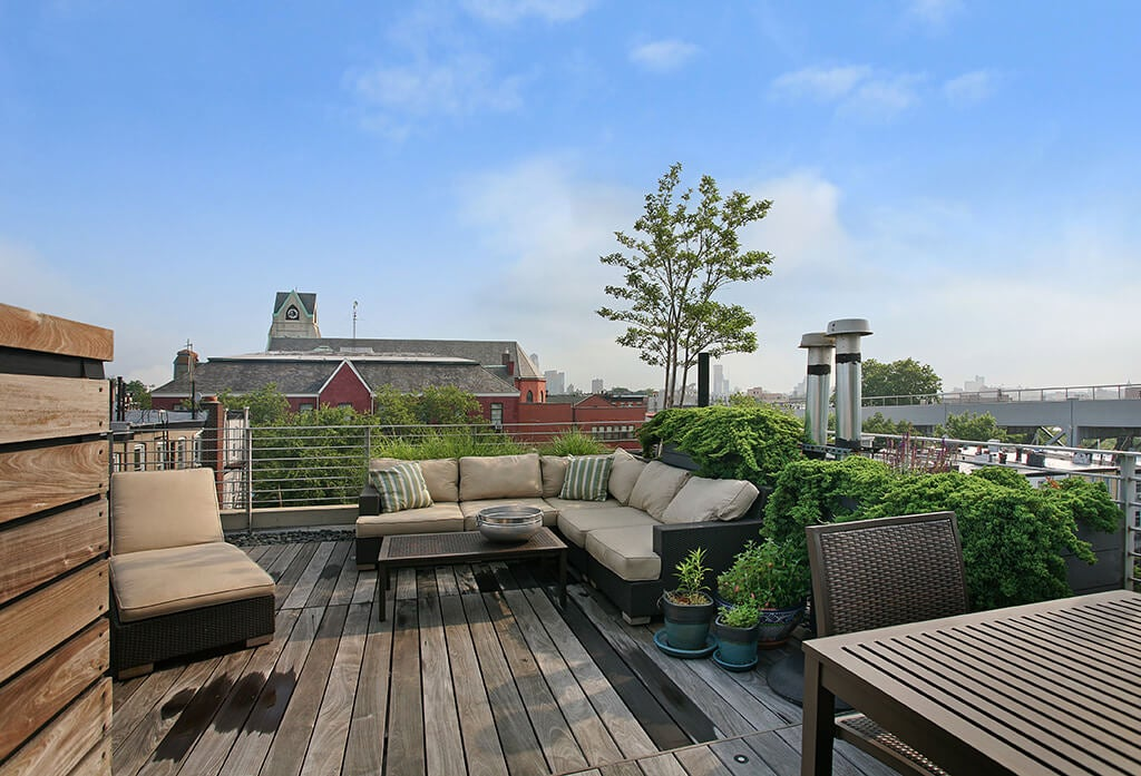 11 trucos sencillos y económicos para decorar tu terraza