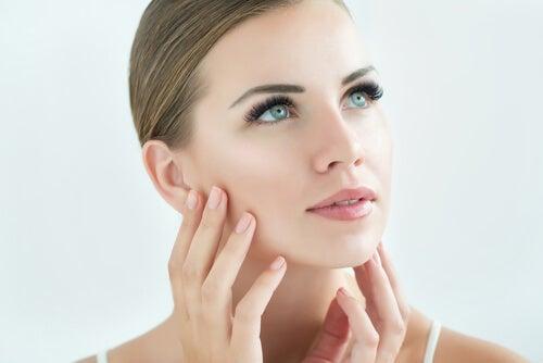 tratar las pieles sensibles o con dermatitis mascarilla facial