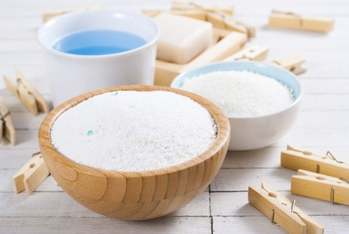 Cómo preparar un detergente en polvo para la lavadora