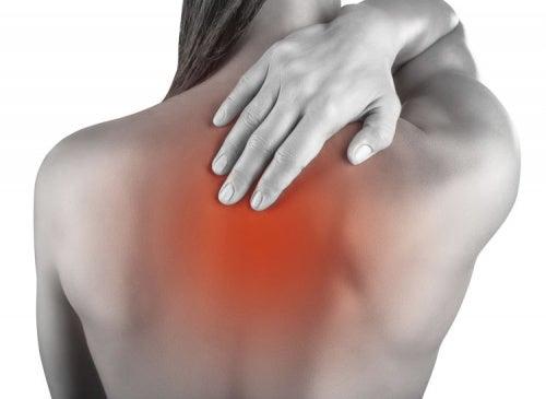 5 trucos caseros para aliviar el dolor causado por las contracturas