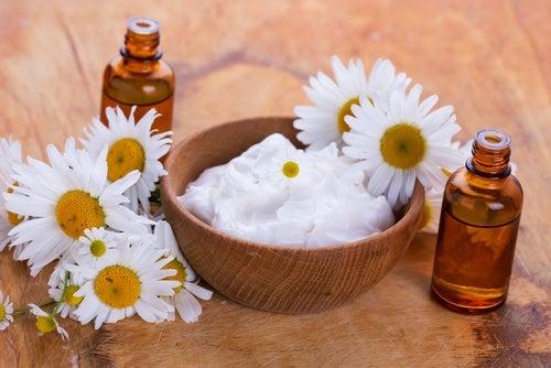Aclara la piel de tus rodillas con estos 5 exfoliantes naturales