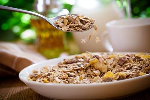 Plato de cereales con fibra que debes incluir en tu dieta