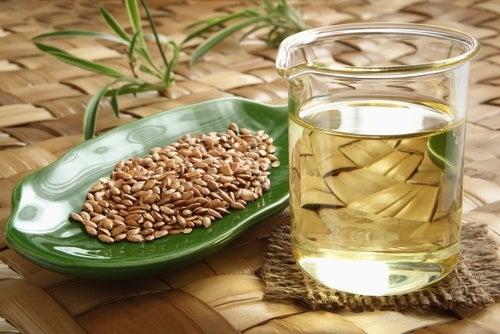 Gel de semillas de linaza para controlar el cabello rizado