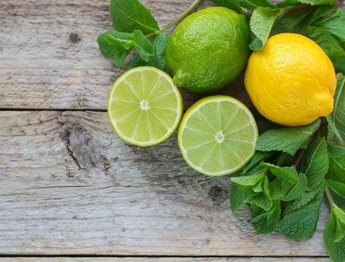 El limón es una buena solución para eliminar la suciedad de las ollas