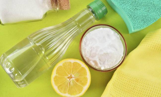 Cómo quitar el mal olor de los recipientes de plástico