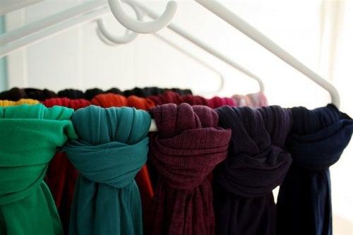 Percha-bufandas
