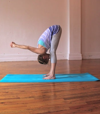 4 posturas de yoga para disminuir el dolor de espalda