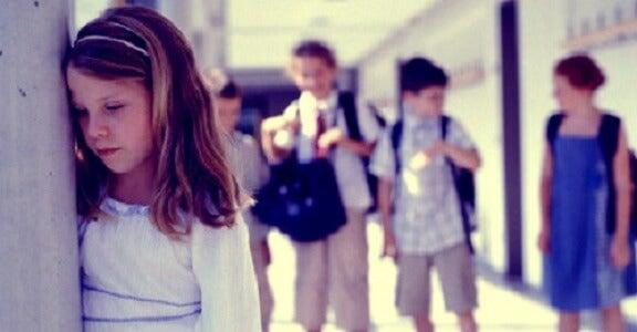 Combate la ansiedad social y gánale