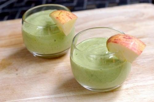 batido-aguacate y manzana
