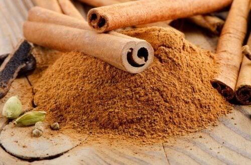 Canela para preparar bombones de cacao