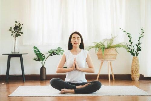 ¿Por qué es importante meditar antes de acostarnos?