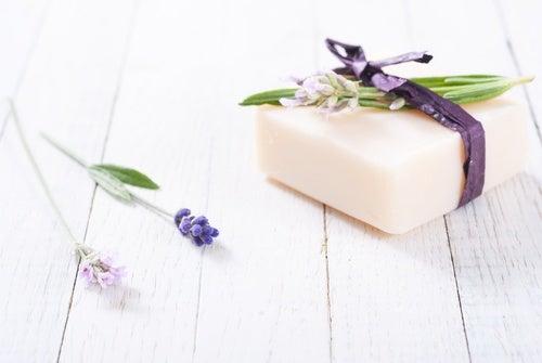 Elabora un jabón casero para pieles grasas