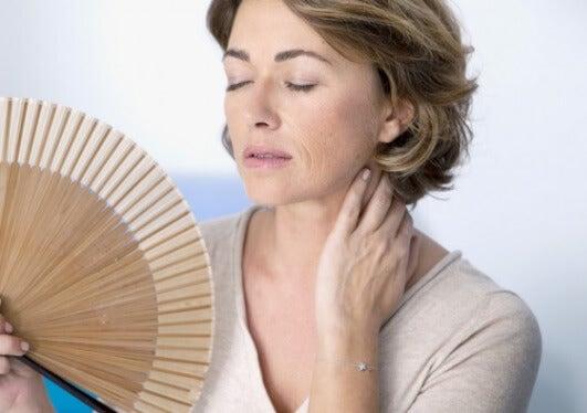 ¿Estás empeorando los efectos de la menopausia?