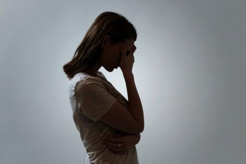Sentimientos de culpa y mal humor constante (depresión encubierta)