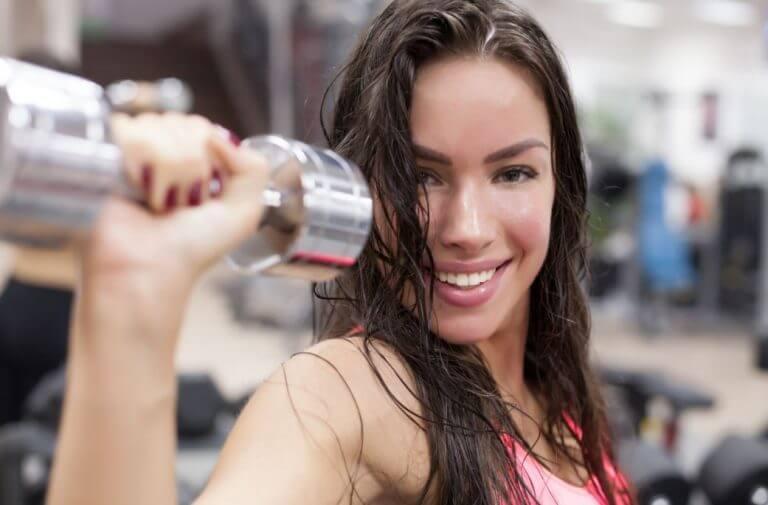 5 ejercicios fáciles para mejorar tu busto de forma natural