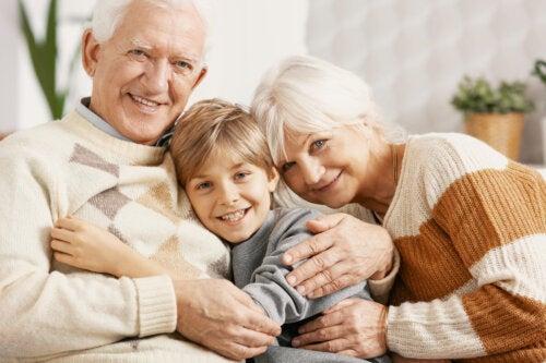 4 cosas maravillosas que te enseñan tus nietos