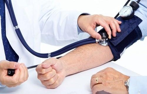 Myöhään valvominen ja verenpaineen nousu