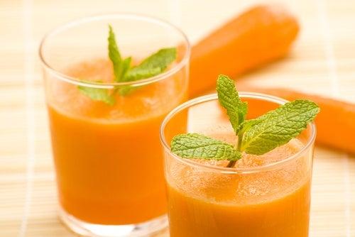 Zumo de zanahorias, deliciosas y ayuda a adelgazar.