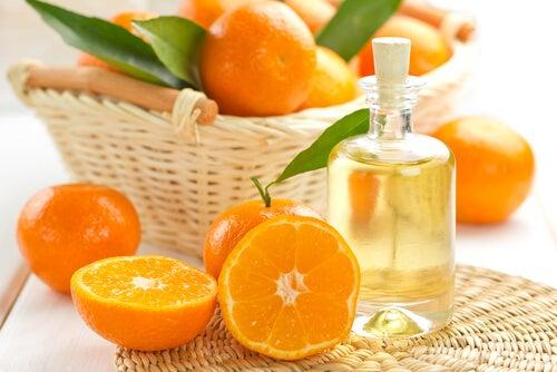 Mandarinas y esencia de mandarina.